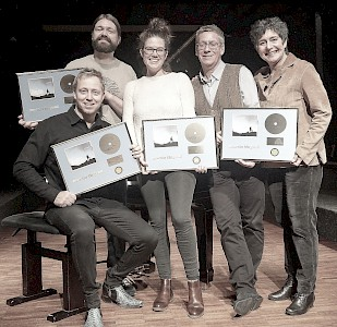 "Tingvall's Album ""Distance"" sold gold"